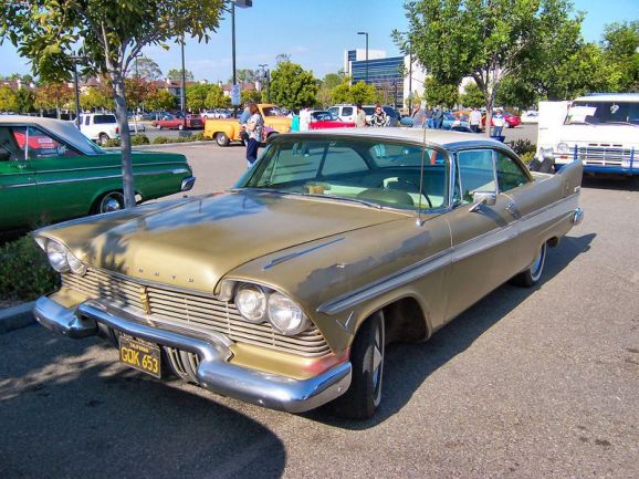 800px-1957_plymouth_belvedere.jpg